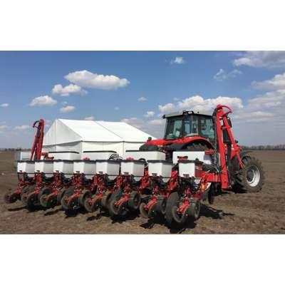 Аграриям продемонстрировали системы точного высева от Massey Ferguson